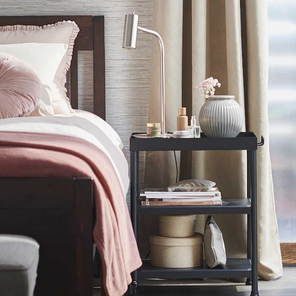 So bekommst du im Frühjahr einen neuen, frischen Look fürs Schlafzimmer.
