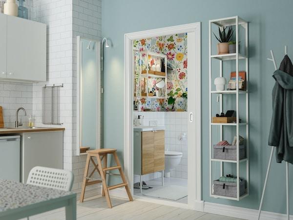 Soluciones para distribuir y aprovechar un baño pequeño