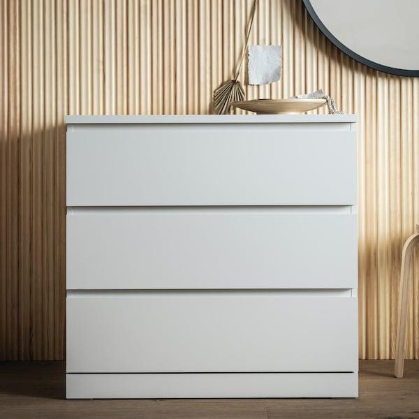 Стильный белый комод МАЛЬМ с тремя ящиками прекрасно впишется в любой интерьер
