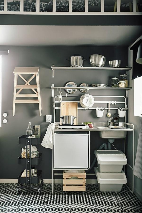 Studio apartment — 15 m2 — tips for living small — SUNNERSTA mini kitchen — IKEA interior inspiration