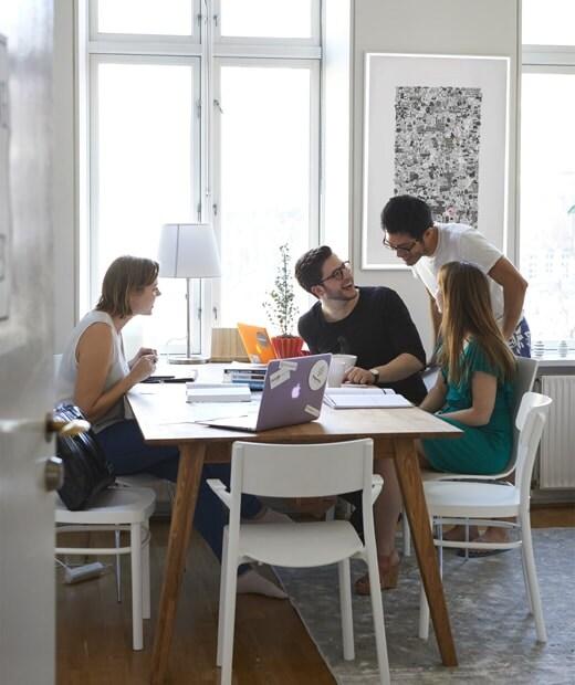 Súkromný priestor na prácu a oddych v spoločnom bývaní v Neste v Kodani.