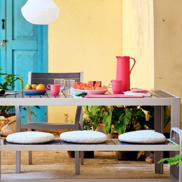Summer table
