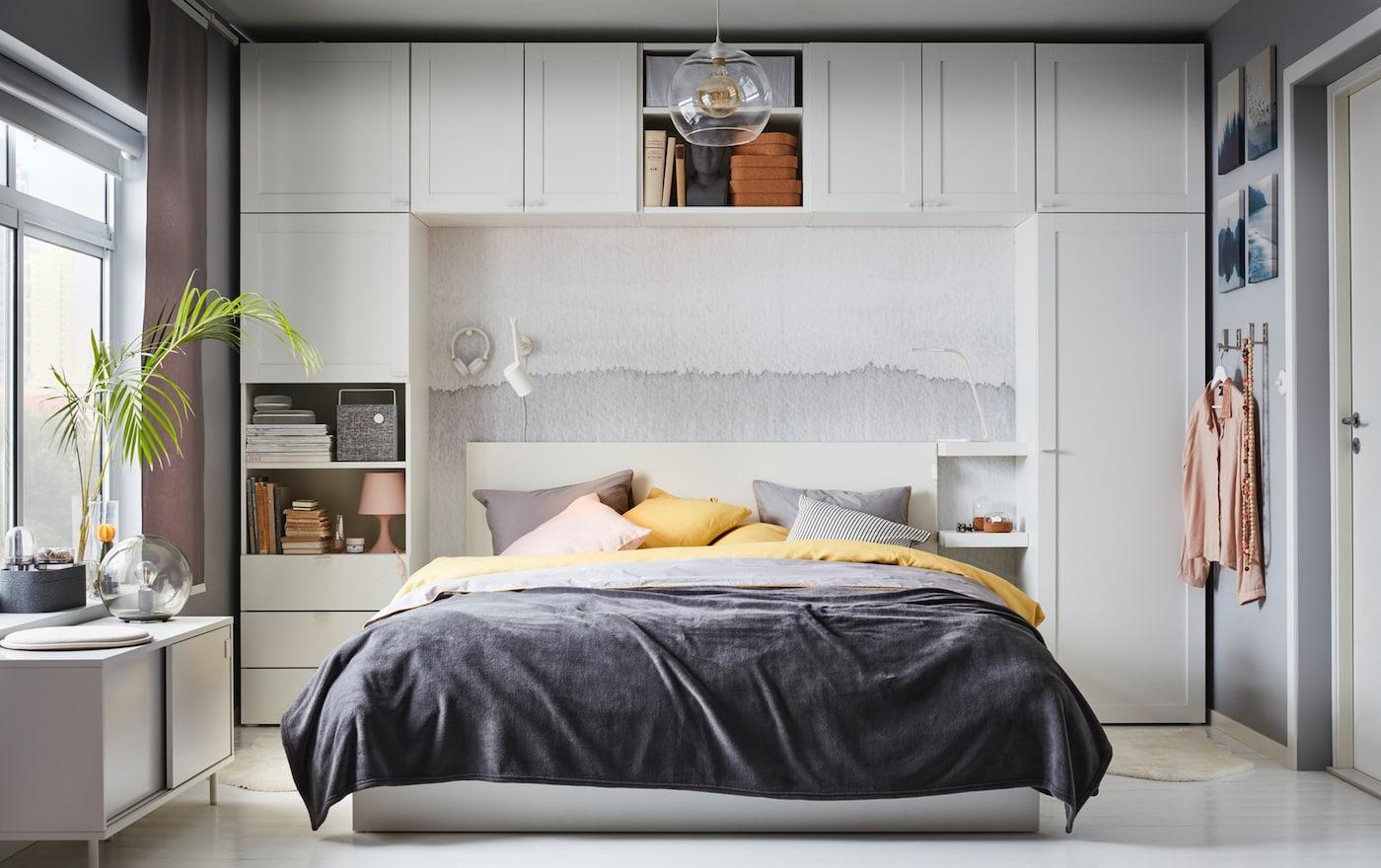 компания производит спальня с комодами вокруг кровати дизайн фото том, что