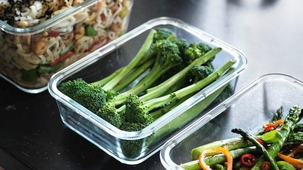 szklane pudełka na żywnośc