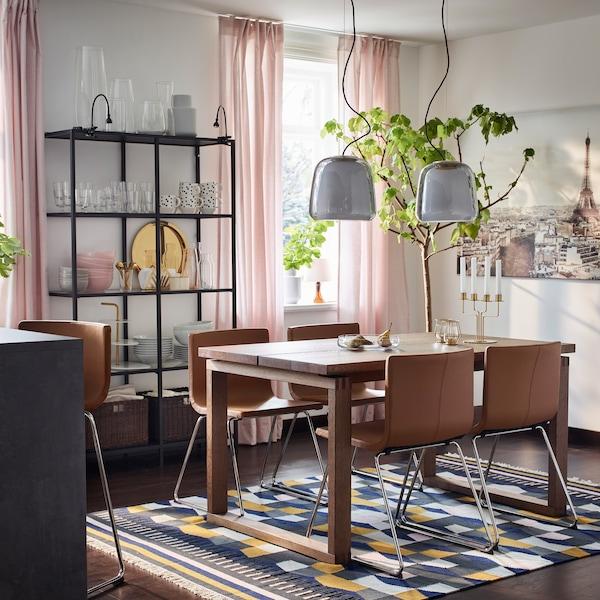 Une salle manger qui vieillit avec l gance ikea - Ikea table salle a manger avec rallonge ...