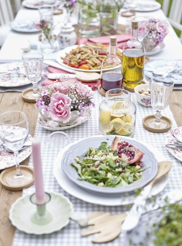 tables setting for summer wedding
