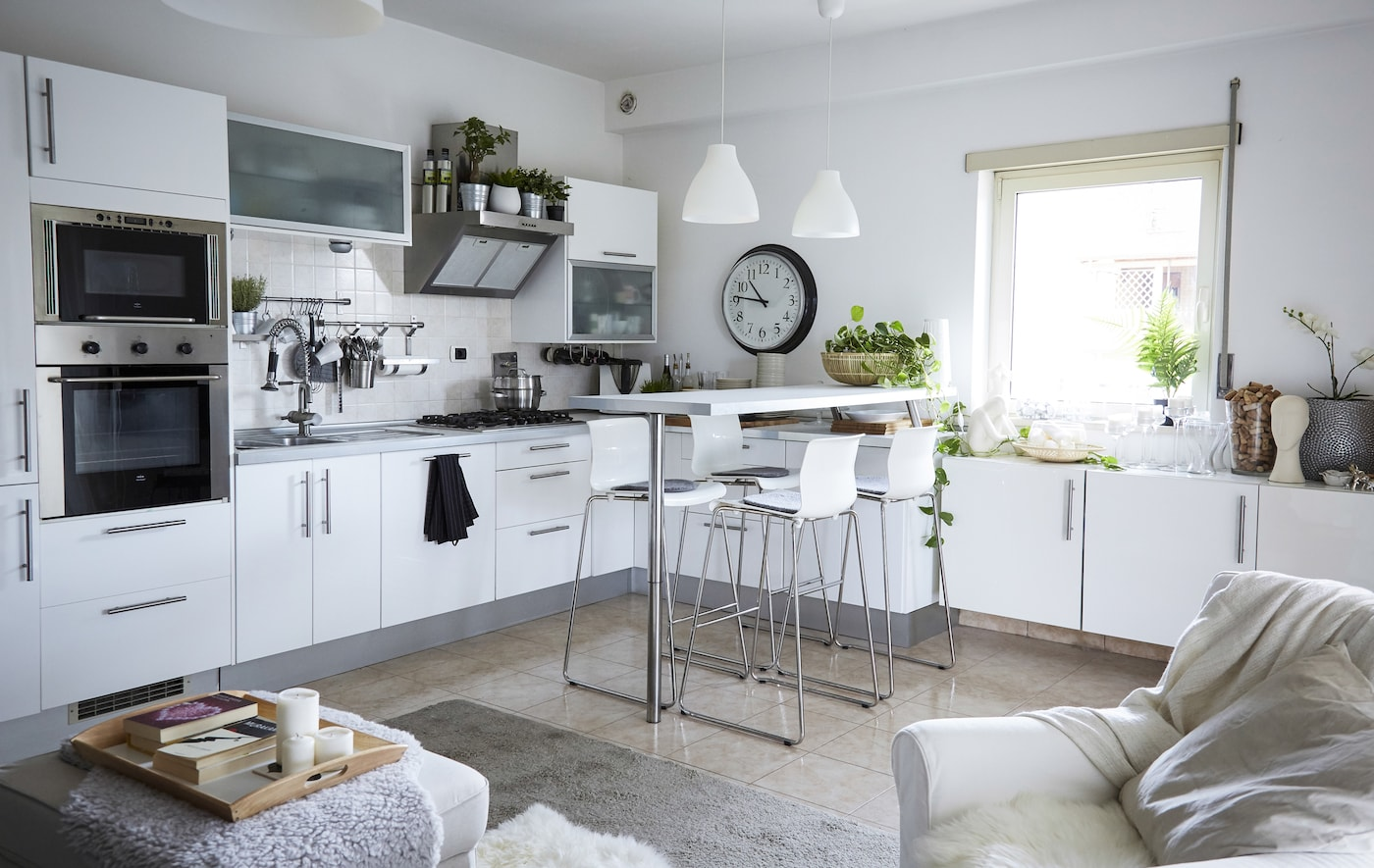 Take a tour of Elisabetta's calming white and grey home.