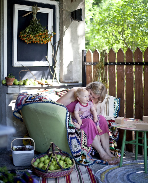 Take indoor comforts outside