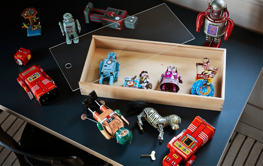 The right display box can make old toys as special to others as they are to you, like this SAMMANHANG display box making a great display of a line-up of childhood favourites.