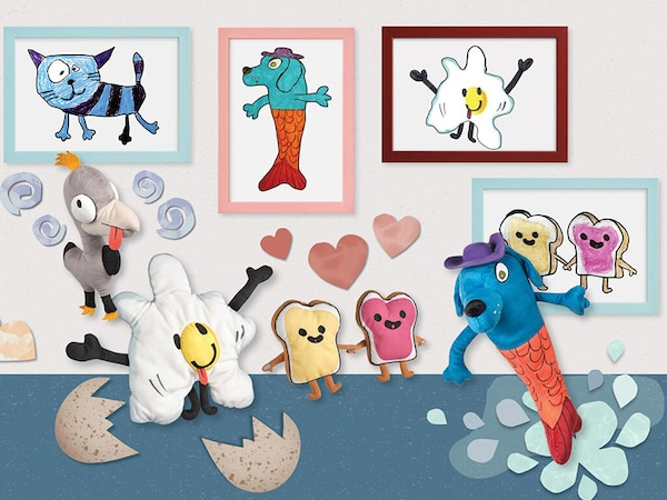 The SAGOSKATT 2021 soft toys standing together in an art gallery. Behind them are framed pictures of each one of them