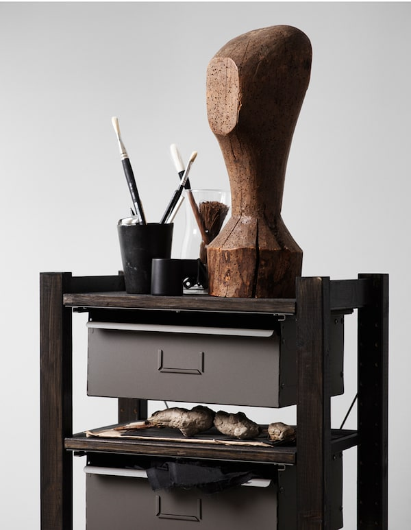 The small storage shelf gets a stylish look in black, stained with BEHANDLA glazing paint, IVAR side unit, IVAR shelf and IVAR drawer.
