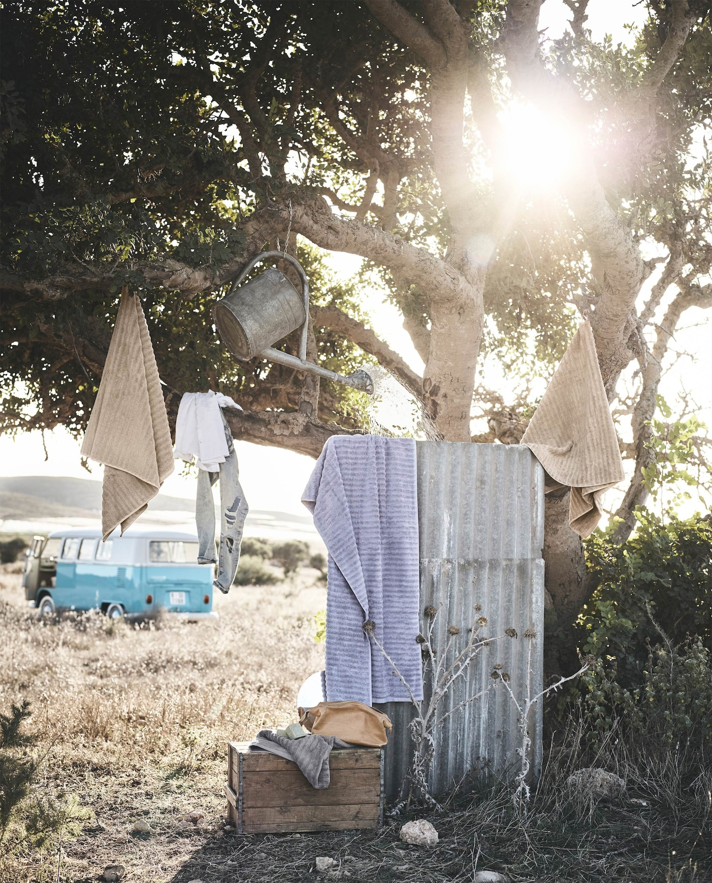 The soft, thick FLODALEN towels are made from more sustainable cotton. They are also dyed in a more natural way.
