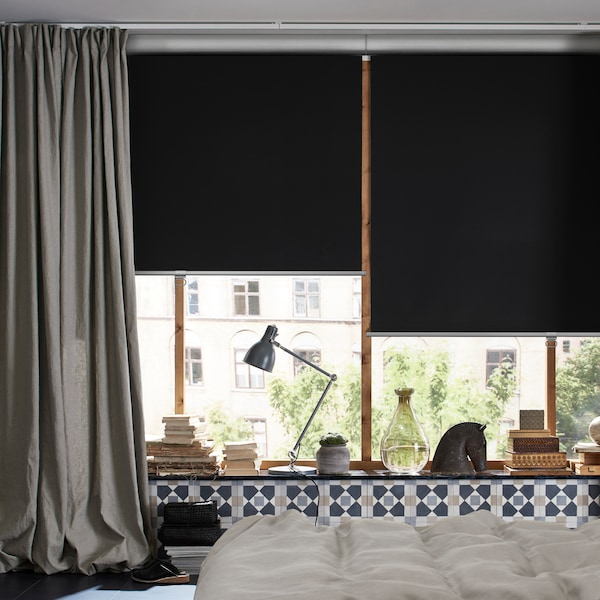 Tippek a sötétítő redőnyök és függönyök használatához a jobb alvásért és sok másért.