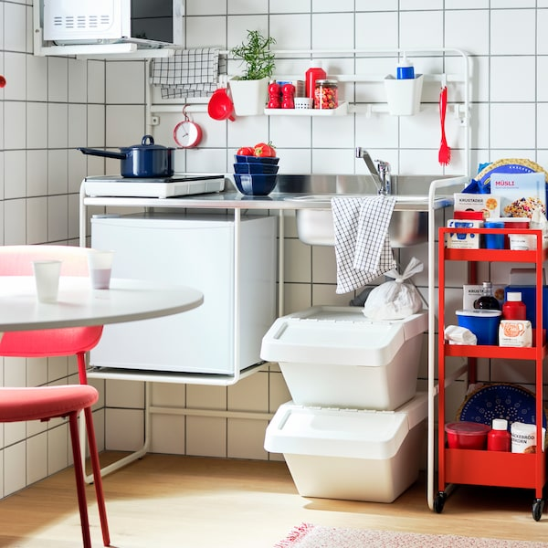 Tips on how to create a small space kitchen.