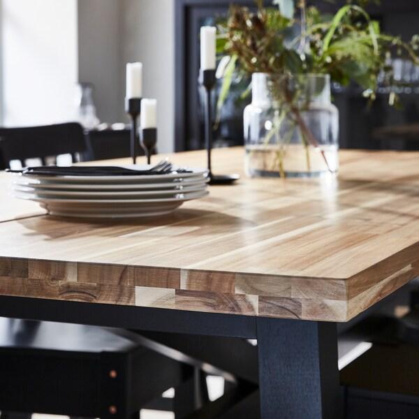 Tips til å velge materiale til spisebordet.