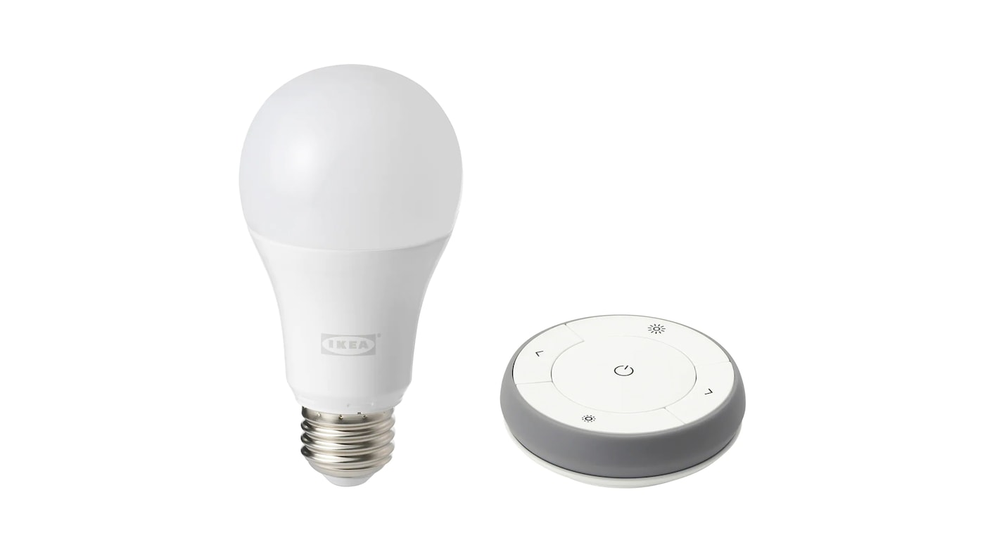 TRÅDFRI dimming kit white spectrum including an LED bulb and remote control.