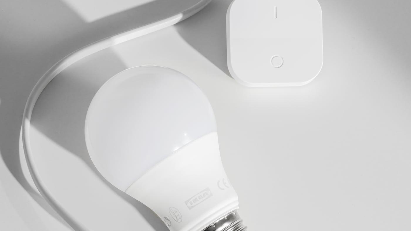 TRÅDFRI smart belysning LED-ljuskällor med och fjärrkontroll.