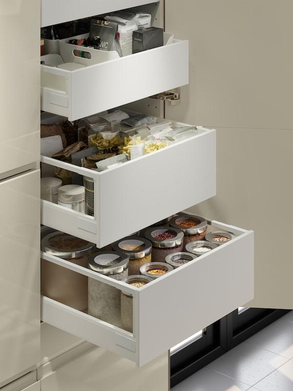 Ikea Accessori Interni Per Mobili Cucina.Cucina Voxtorp Beige Chiaro Splendente Ed Essenziale Ikea It