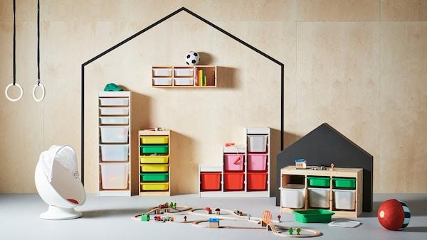 TROFAST serie di contenitori per giocattoli.