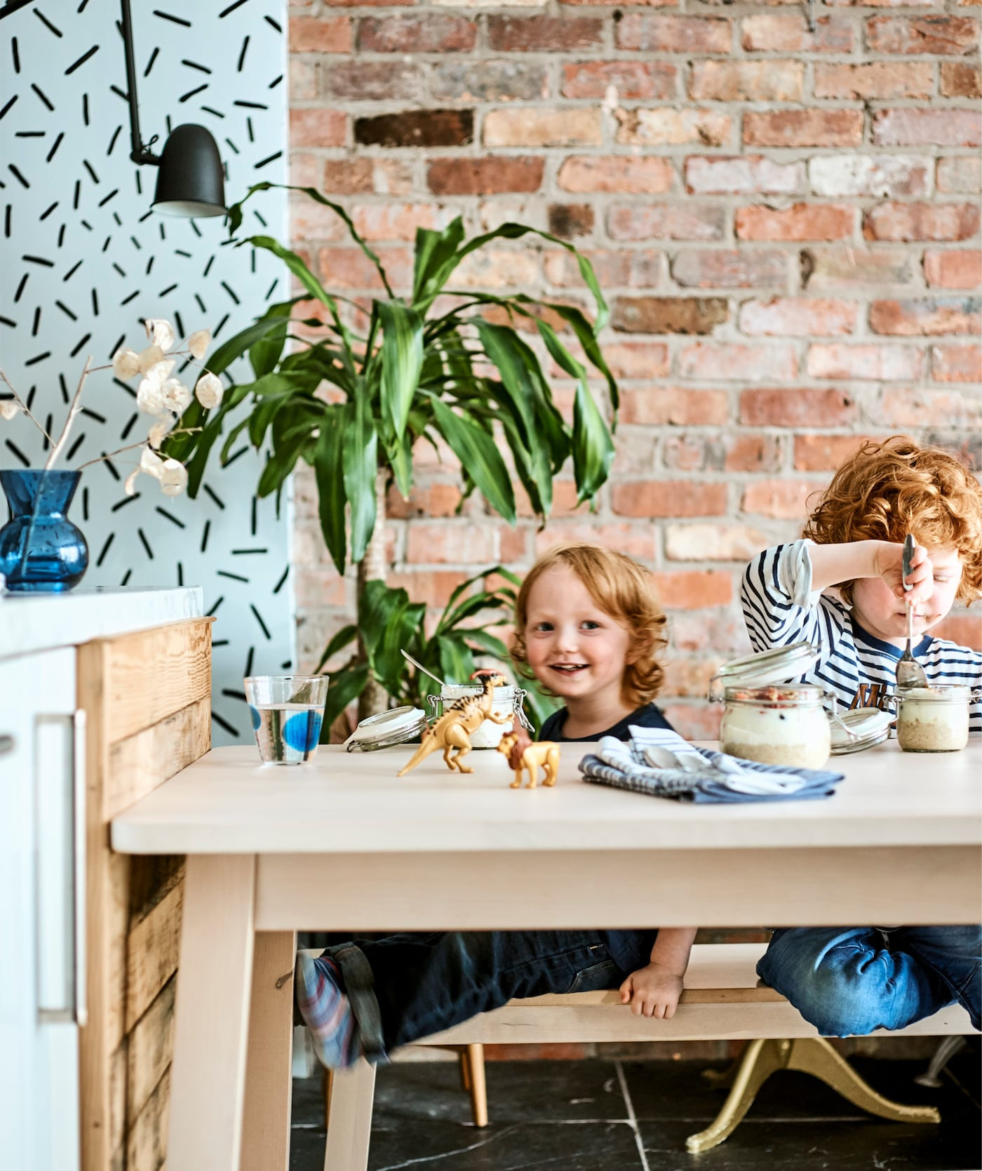 New IKEA Collections You Will Absolutely Love | Mesa con