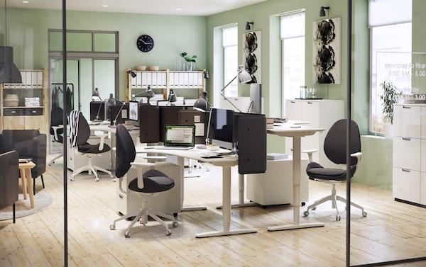 Ufficio con scrivanie angolari bianche – IKEA