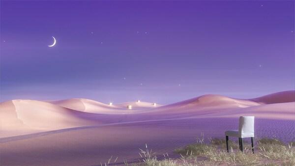 Un ciel nocturne violet planant au-dessus d'un désert où se trouve une chaise IKEA en avant-plan.