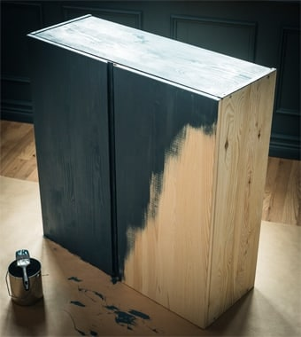 Un mobile di legno IVAR personalizzato con una vernice verde - IKEA