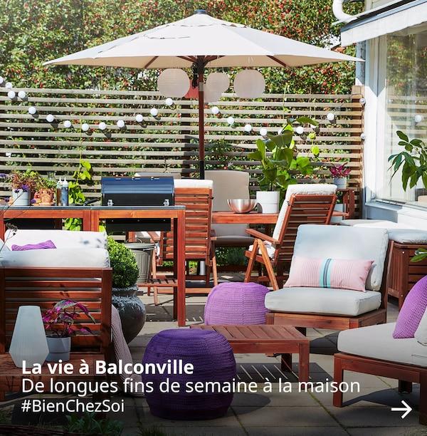 Une belle terrasse où se trouvent des meubles de jardin IKEA