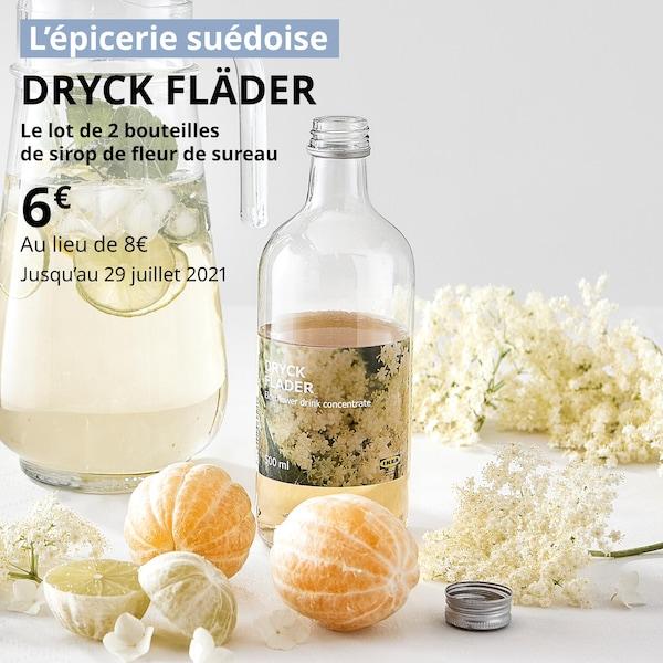 une bouteille de sirop de fleur de sureau