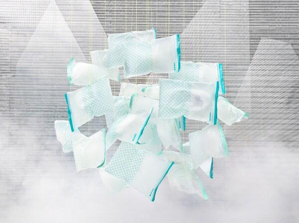 Uudelleensuljettavat ISTAD-pakastuspussit on valmistettu uusiutuvasta ja kierrätettävästä biomuovista.