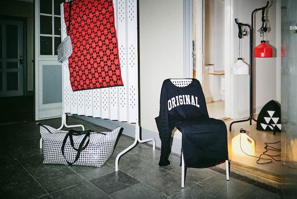 V izbe sú vystavené výrobky z limitovanej kolekcie SAMMNAKOPPLA.
