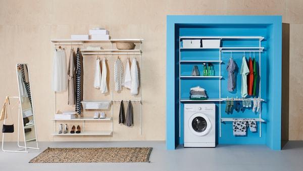 Vaaleaan seinään on kiinnitetty JONAXEL-avohylly ja vieressä, sinisessä syvennyksessä on valkoinen JONAXEL-avohylly ja pesukone.
