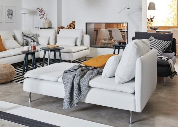 Vários módulos separados do sofá SÖDERHAMN em cinzento claro e cinzento escuro
