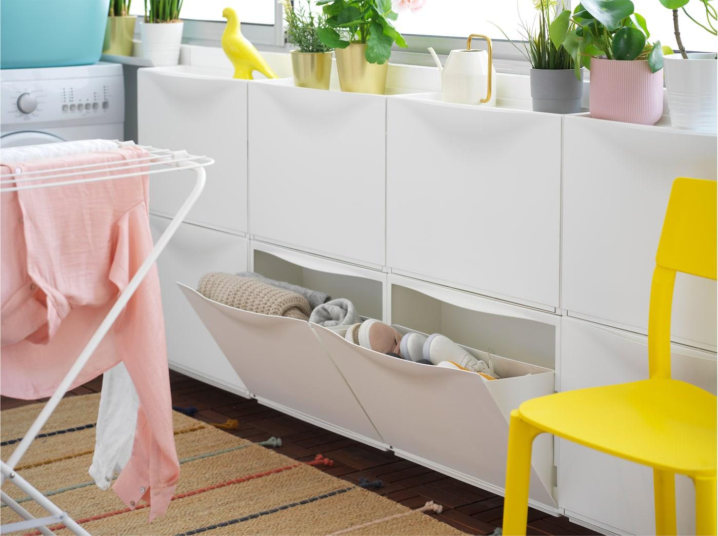 Rimelig vaskerom med JONAXEL hyllesystem IKEA