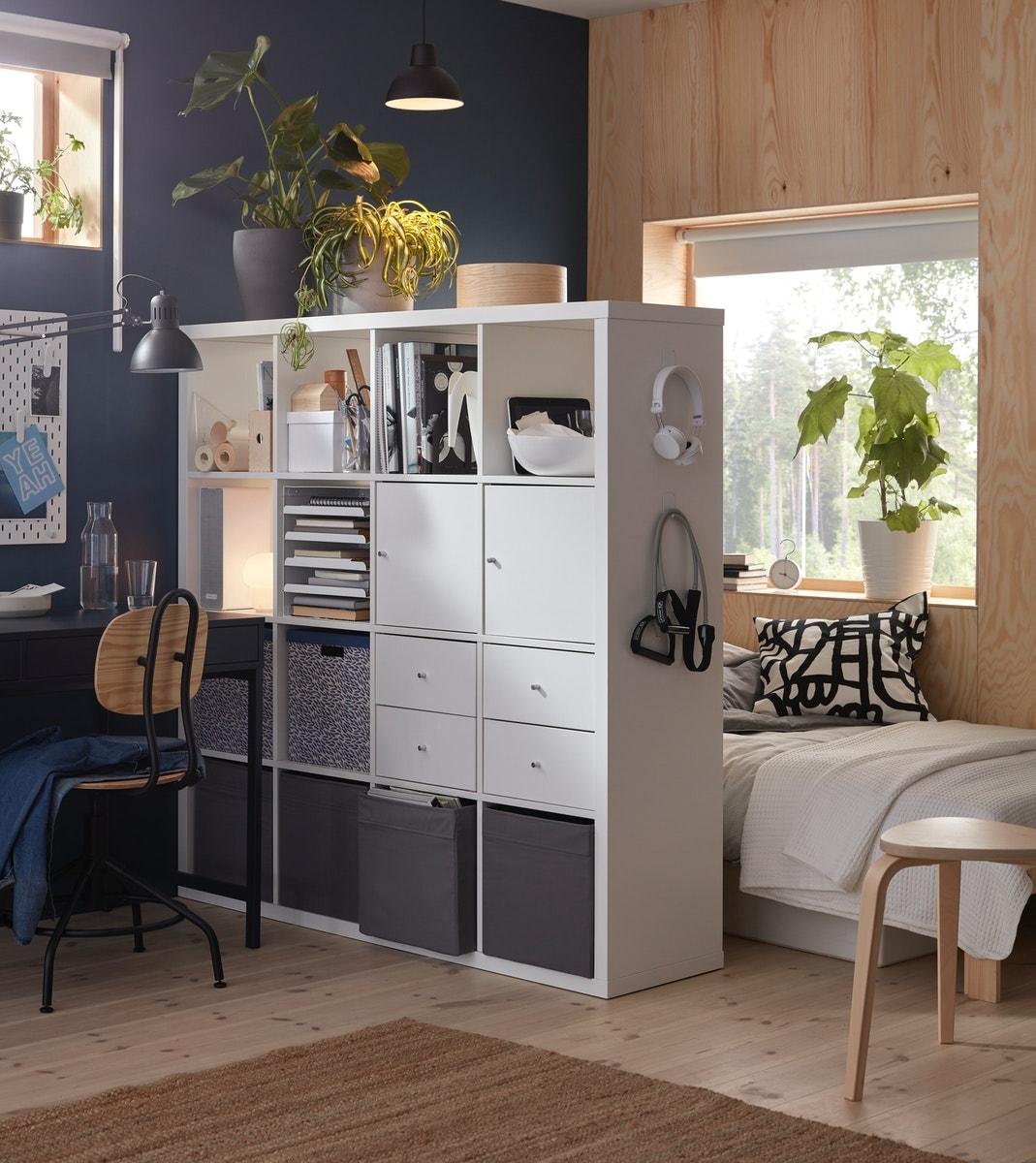 Mein Schlafzimmer Büro: IKEA Expedit Regal + Schreibtisch in