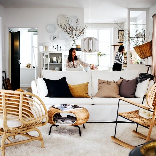Voici un intérieur aménagé dans un style à la fois rustique et moderne.