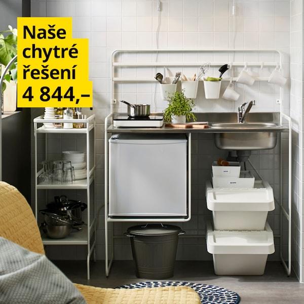 Volně stojící flexibilní minikuchyňka za 4 844 Kč.