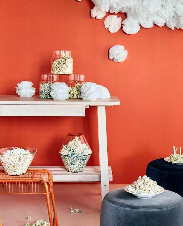Vous avez envie d'organiser une fête ? Essayez notre vaisselle, traditionnelle ou moderne, comme IKEA VARDAGEN!