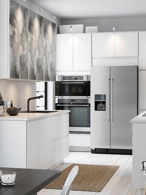 VOXTORP matt white kitchen