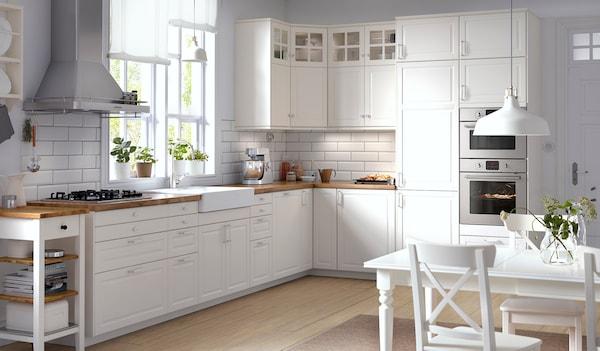 Weiße Küche im skandinavischen Stil - IKEA