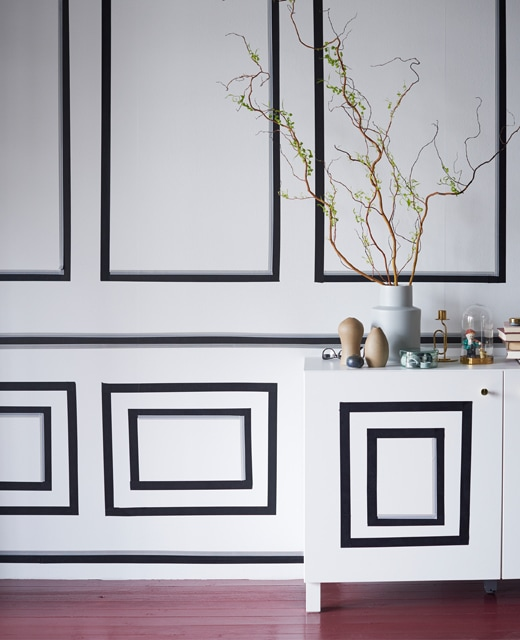 Whatever your thing, you can find affordable furniture tips at IKEA. Decorating a small living room wall with washi tape panels is a great way to do it yourself. Just use IKEA GIVANDE black matt tape that is easy to stick and remove.
