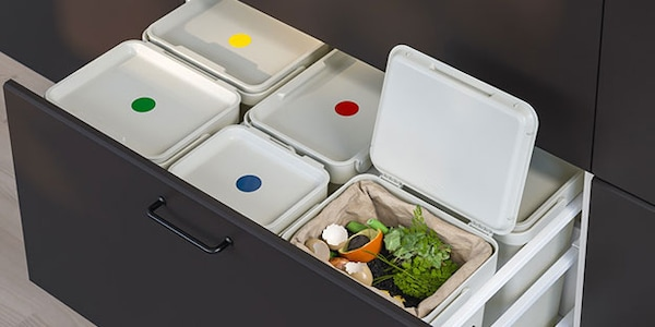 White bin with lid for recycling waste
