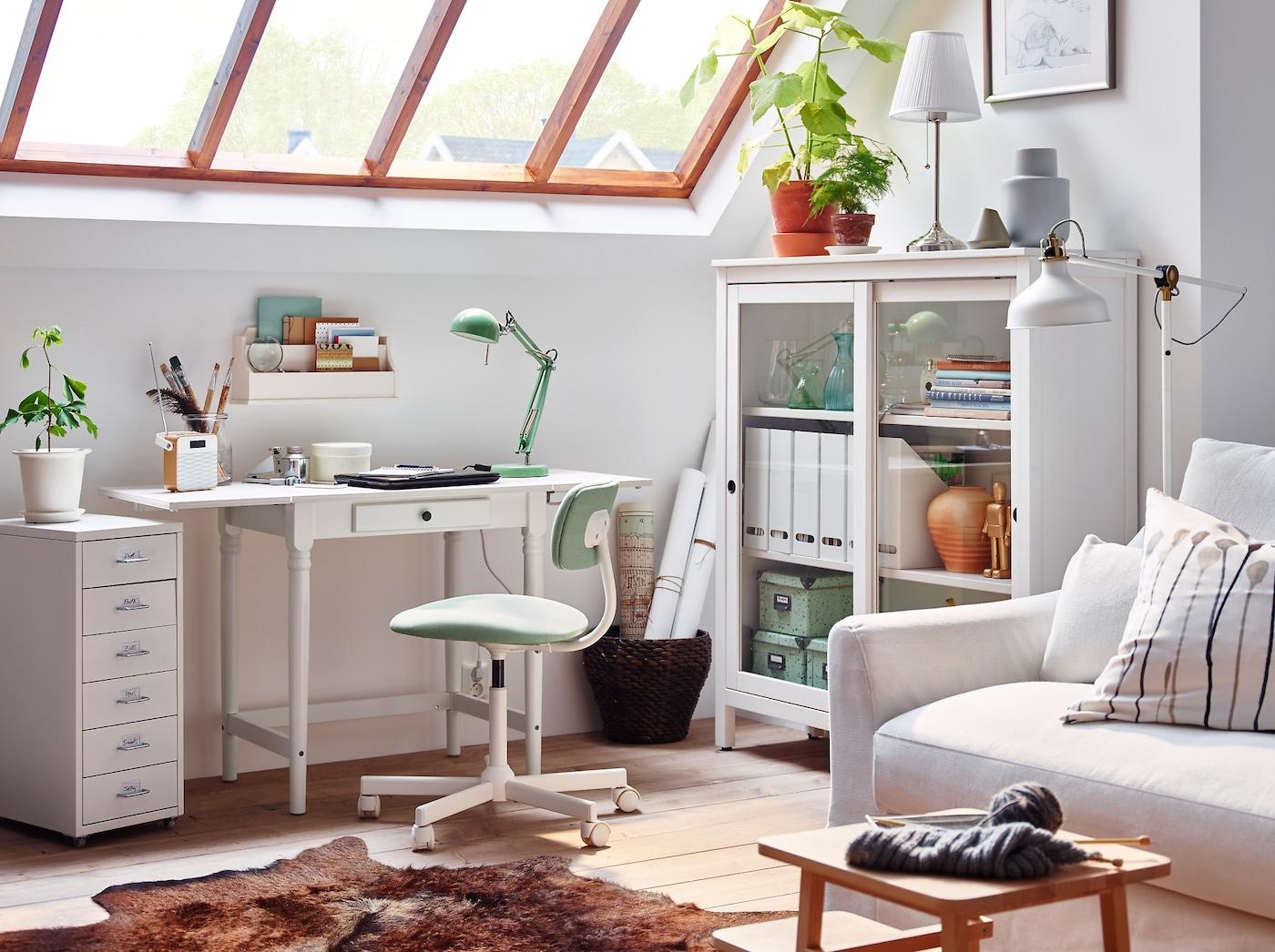 White classic simple desk INGATORP desk