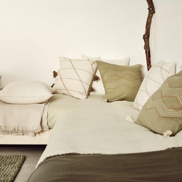 Wskazówki, dzięki którym odmienisz wnętrze swojego domu za pomocą poduszek.