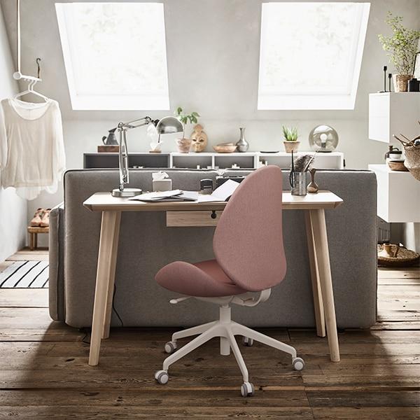 Wskazówki pomagające zachować dobre samopoczucie w czasie pracy z domu.
