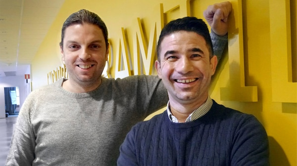 Yaser Alwili ja Mohammad Al Heswani ovat tyytyväisiä IKEA- pakolaisten osallistamisohjelmaan.