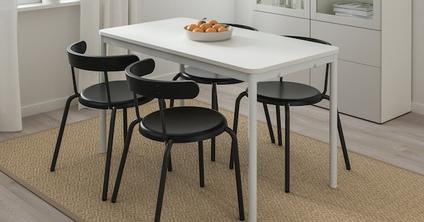 YNGVAR dining chairs