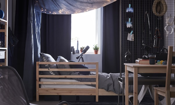 You can choose dorm decor that's on the darker side like blue, grey and black while keeping a light and welcoming feeling by using lots of soft textiles. IKEA has dorm decorations and plenty of organisers to get your things sorted.