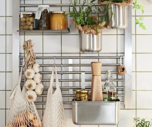 You're 5 steps away from a circular kitchen