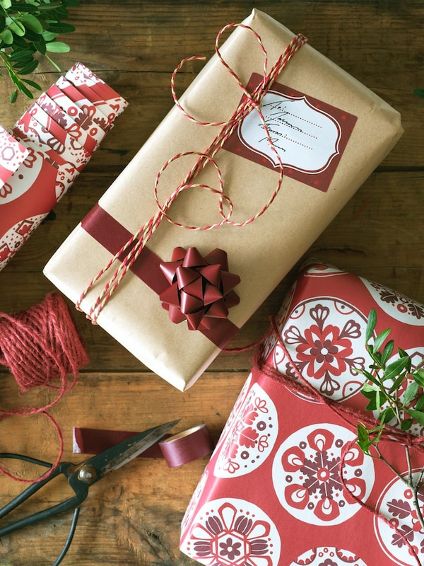 Zabalené vánoční dárky.